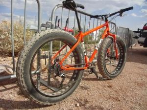 mtbr magazine (Francois) | http://interbike.mtbr.com/speedway-cycles-fatback-fat-tire-bikes/cimg4676
